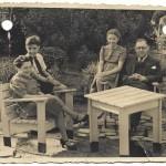 gezin Jaap Polak ca 1947 in tuin